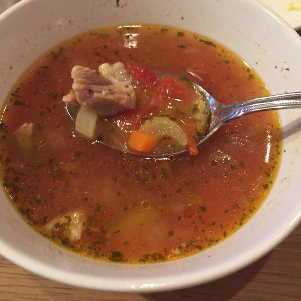 【ルーマニアのスープ・チョルバ ciorba】 ルーマニアを訪れる人が、必ずといって良いほど口にし、そして本当に美味しかった♡という1つにルーマニアのスープが...