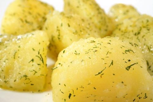 Cartofi naturi  じゃがいものソテー